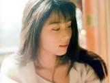 新 有名人の名前で しりとり 坂井 泉水  日本の女性歌手、作詞家。