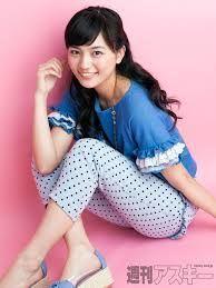 新 有名人の名前で しりとり 川口 春奈  日本の女優、ファッションモデル。 愛称は「ハルル」。