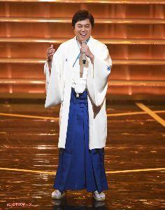 新 有名人の名前で しりとり 三山ひろし  高知県出身の演歌歌手です 歌声はビタミンボイスとか言われているそうです。