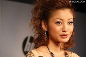 新 有名人の名前で しりとり 西山 茉希    女優、女性ファッションモデル、タレント。