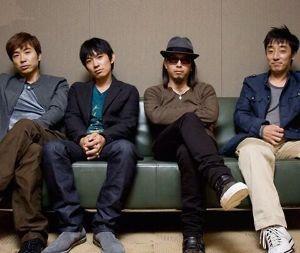 新 有名人の名前で しりとり スピッツ  日本のロックバンドです。