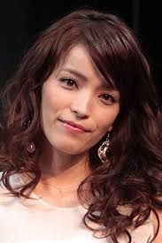 新 有名人の名前で しりとり 知念 里奈  日本の歌手、女優。