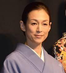 新 有名人の名前で しりとり 鈴木 保奈美  日本の女優。