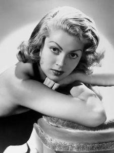 新 有名人の名前で しりとり ラナ・ターナー(1921年 - 1995年)  アメリカ合衆国アイダホ州出身の女優。タイトなセーター