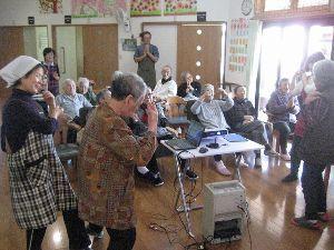 歌声喫茶in行橋 井戸端ワイワイ への出前歌声  笑顔笑顔、炭坑節の踊りも飛び出しておおにぎわい!! 楽しく1月度終了