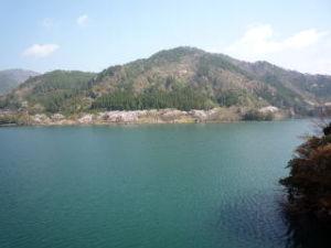ソロツーの好きな、女性ライダー 私は今滋賀県の山奥の、永源寺ダム湖に居ます。  景色は、最高ですよ\(^o^)/