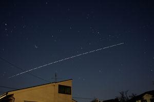 国際宇宙船ISS お隣さん屋根上空から見えきたISS