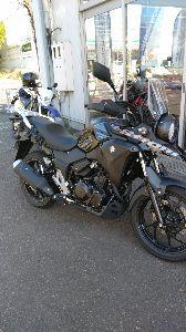 ★スーパーシェルパ★ 相変わらず寒い日が続いています。 とは言え、大分寒さには慣れて来たので日中はバイクに乗るのも苦にはな