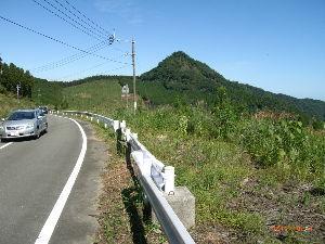 *** ディジカメ散歩 *** 「ぼろ石山」 です。  皆さん、  こんばんは。  ーー 「ぼろ石山」 です。