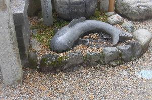 三重からリターンライダーです 伊賀市青山のなまず神社(大村神社) 1発目の寄港先