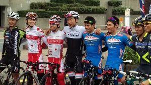 神奈川のロードバイク仲間募集 こんにちは。  土曜日は茅ヶ崎のVELO FESTIVALに行ってきました。会場である公園外周を回る