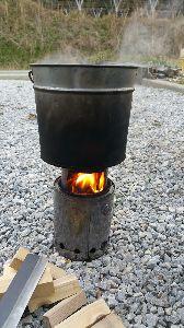 ○o。.ぶくぶく.。o○ 今日もマッタリと火遊び~ 研ぎ水沸かして、ナイフと鉈の刄研ぎした~。