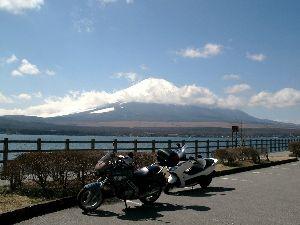 リタイヤー ライダーです ( ノ゚Д゚)こんばんわ!  初めて道志道R413に挑戦して来ました 山中湖まで走って湖を一周して帰