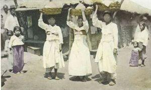 韓国の親?中国様について  日本の統治により飛躍的に近代化した http://warof.jp/nikkan.html   ▼