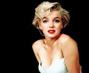 気に入った映画を何度も観るのが好き マリリン・モンローは 映画でなくても、写真だけでも好きですね たとえば・・・