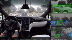 TSLA - テスラ こっちがテスラの自動運転開発画面