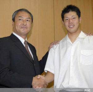 知将川崎憲次郎が指揮を取るとき 中田部長の真摯な活動に惚れて中日入団したんだよな^^ 栄光の17番+ツバメの巣  大いに心が揺れてい