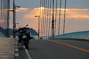 関東 バイク乗りの写真館 ( ´∀` )b まったくその通りです。  シーさんの早朝ツーリングの写真が もう見れないですね。f(^_^;  昨日