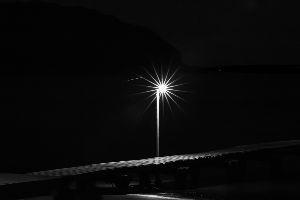 インスタ萎え 岡本桟橋 モノクロ