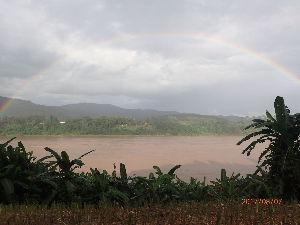 カンチャナブリ メコン川の奇跡 虹です。