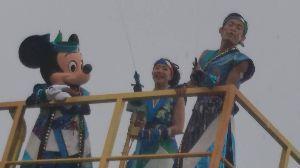 「東京ディズニーリゾート」について語ろう お盆のディズニーはジリジリ 体で卵が焼けるかと思った(ノ∀`)  ずぶ濡れイベントで少