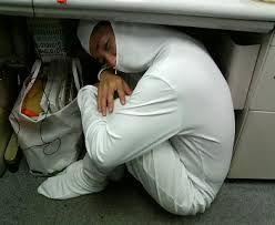 6502 - (株)東芝 デナ中、ワンパターンで悪いが寝る前に、いつもの奴だ。  おまえ、寝る時も上下共、帽子を被るのか? 下