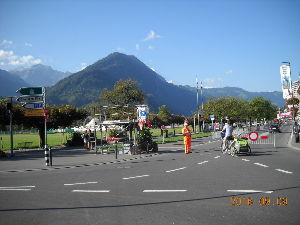 2012年ヨーロッパの田舎の旅 1 続き   Interlaken Ostで下車し、Interlaken Westまでそぞろ歩いた。ユー