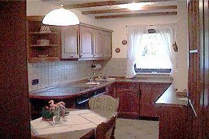 2012年ヨーロッパの田舎の旅 1 ザスバッハヴァルデン続き   ペンションの厨房です。