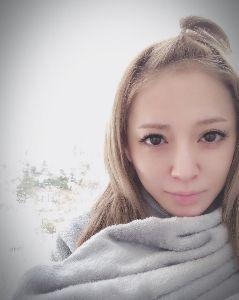 カラオケ好きの人~ 明日は、大雪予想(^o^;)  あゆ=雨女  「あめさき」さんが、札幌から、雪を持って来るのかな?