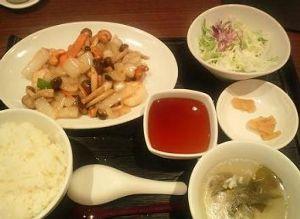 愛ある紳士さん♪ こんだけ暑いとねー ちょっと酢の効いた物が食べたくなって お気に入りの中華に酢豚を期待して行ってきま
