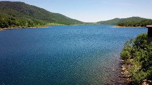 早朝限定。。。。。  こんにちは! 桐生川のダムと言うことは、梅田湖かな… 梅田湖や松田川ダムは、よく行きま