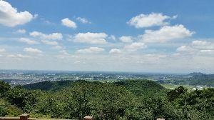 もう良いじゃないか。 素晴らしい眺めです。白い雲がぽっかりぽっかり