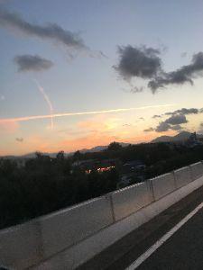 県外に住んでます。熊本の人と話したいです。 雲が十時になってて  アングルが良くないが………