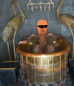 〓キャミソールで缶酎ハイ〓 わしと一緒に黄金風呂に入らへん?