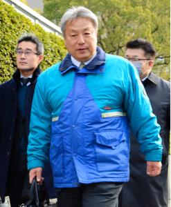 2651 - (株)ローソン 東大阪の元セブンカリスマオーナーの松本さんが青と白しま模様のローソンユニフォームに身をつつみ、セブン