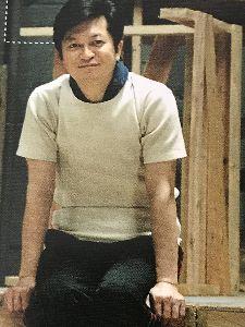 ショムニ 野々村課長役の伊藤俊人さん! ラフのTシャツの伊藤さんです。ヴァンプショウパンフより撮りました。 前のはうまく撮れてなかったのでま