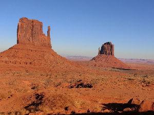 旅行の思い出語りませんか アメリカ   西部映画  猿の惑星のロケ地行ってきました とてつもなく広い荒野(砂漠地帯)を120㌔