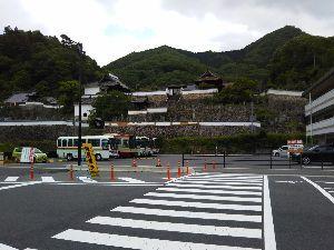 東男・京女 おはようございます 曇り空ですね  日中は暑い位なので 一雨欲しいです 田植えの準備で 周りは騒がし