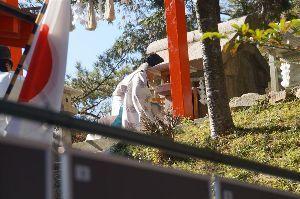 六甲山 今回の目的の一つに 石の宝殿の白山の宮の閉山祭と 六甲山百五十年 歴史散歩展へ。 またいろいろと勉強