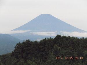 走った後のビールはうまい!! 久しぶりですぅ 元気ではしってます~ 今朝の富士山