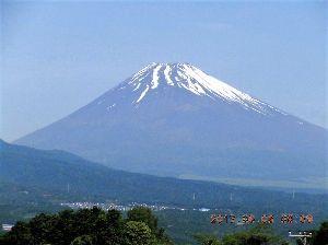 走った後のビールはうまい!! じゃいあんつ勝ち試合を...( ノД`)シクシク…  今日の富士山