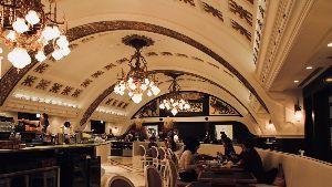 3418 - (株)バルニバービ 失われた「旧阪急梅田駅コンコース」は現・阪急うめだ本店13階のバルニバービが運営するレストラン「シャ
