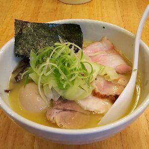 まるまるもりもり > 日本人は塩分摂りすぎですよー  じゃ、塩ラーメンはダメなんかな?( ̄▽ ̄;) コクがあるけ