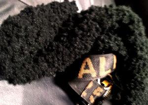 編物ニッターお姉さん( 手編講師 いっぱい 貼ってくれて おおきにな~♪  って、、、 あの毛糸に まだ奮闘中  って ややこしい毛糸