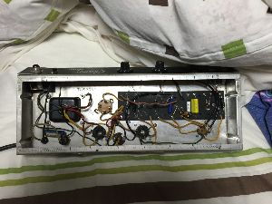 真空管ギターアンプ故障修理相談室2 お忙しいところ、ご返信ありがとうございます。その50Ωの抵抗2本はプリ管の9番ピンと4,