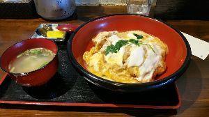 ☆飲みとかグルメ情報交換しませんか!? 仙台市は苦竹にある「しぶき亭」のかつ丼です。  こだわりのかつ丼と言うのが売りになっています。