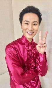 演歌歌手「山内惠介」さんを一押し!!しましょう 惠ちゃんの  山形での公演が無事終えられた時に撮られた一枚でしょうか❗  素敵な爽やか笑顔が  若々