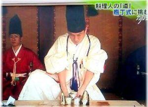 福島県少年、少女のなぜだろう?なぜかしら? 庖丁式では色々な魚が使われているようですが、なぜ主流は手に入れにくい鯉なのですか?