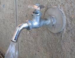 しりとり独り言 水道水  暑いから水の補給を忘れずに!   ビールよこせU `・´')&si