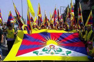 ■ 派遣法改正は大失敗です 「習主席は人として我々の苦しみを理解すべきだ」      インド・ニューデリーのチベット人居住区で、